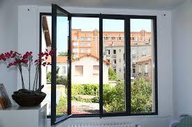 fenetre vitrée en acier