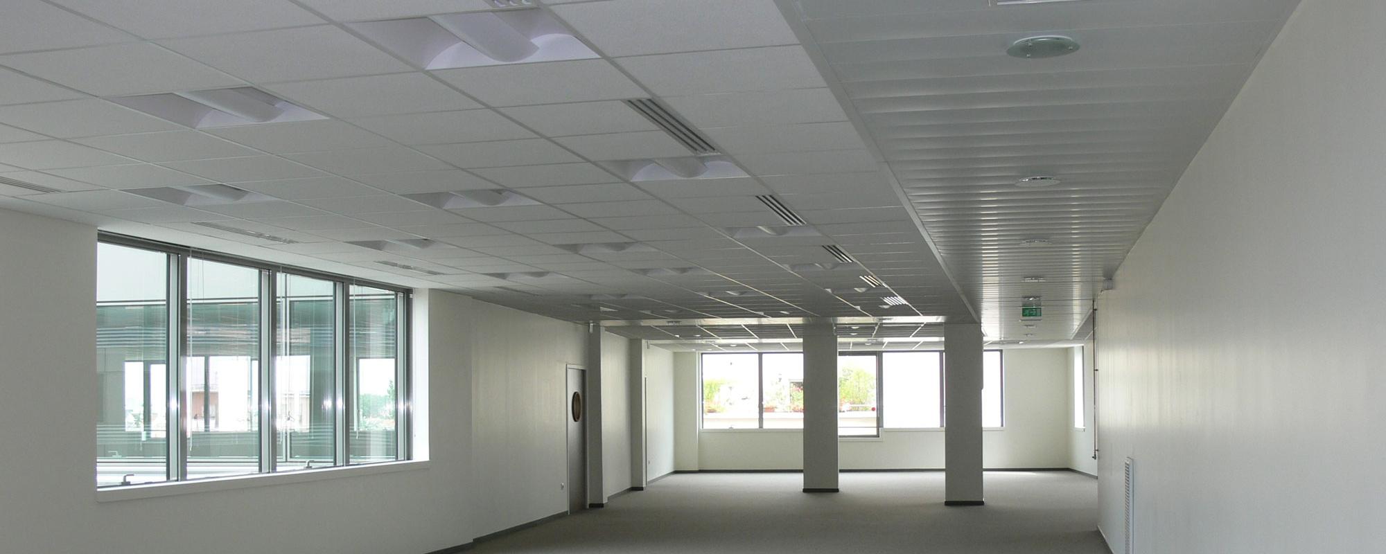 Faux Plafond Suspendu En Dalles Isolantes optez pour un faux-plafond démontable pour votre maison - la