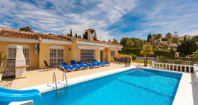Immobilier, piscine et villa pour vos vacances en Espagne